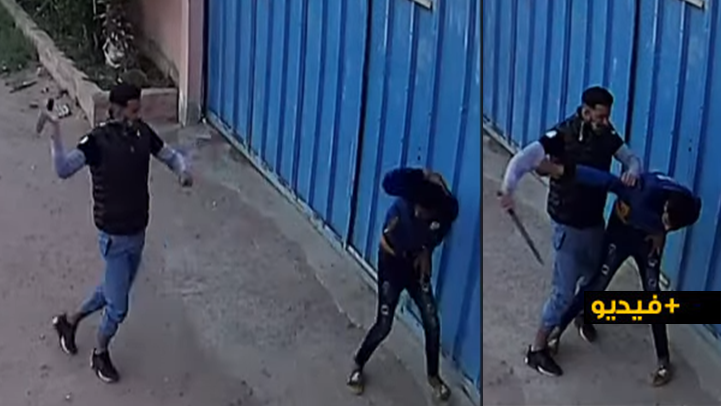 """شاهدوا.. كاميرا المراقبة ترصد عصابة إجرامية خطيرة مدججة بالسيوف """"تشرمل"""" عاملا بوحدة صناعية"""