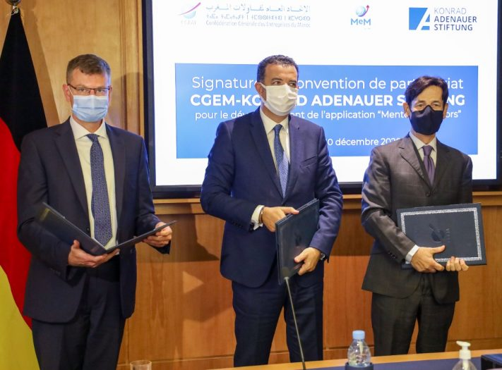 """يهمّ مقاولي المهجر.. الاتحاد العام لمقاولات المغرب يعقد اتفاقية مع """"كونراد أديناور ستيفتونغ"""" الألمانية"""