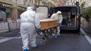 """إيطاليا.. آلاف الأطباء والممرّضين لدعم """"أكبر حملة تلقيح في تاريخ البلاد"""" ضد كوفيد -19"""