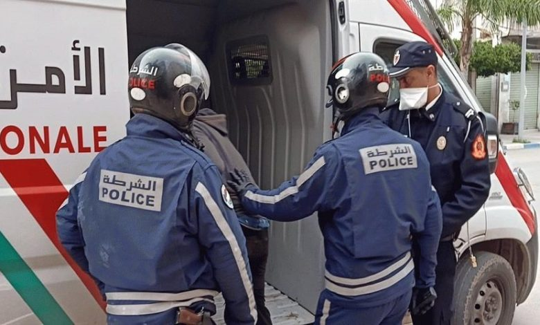 مقدم شرطة يضطر لاستعمال سلاحه الوظيفي في تدخل أمني