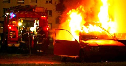 اعتقال متورط أضرم النار في سيارات إحداها تابعة للقصر الملكي انتقاما بسبب عدم تشغيله