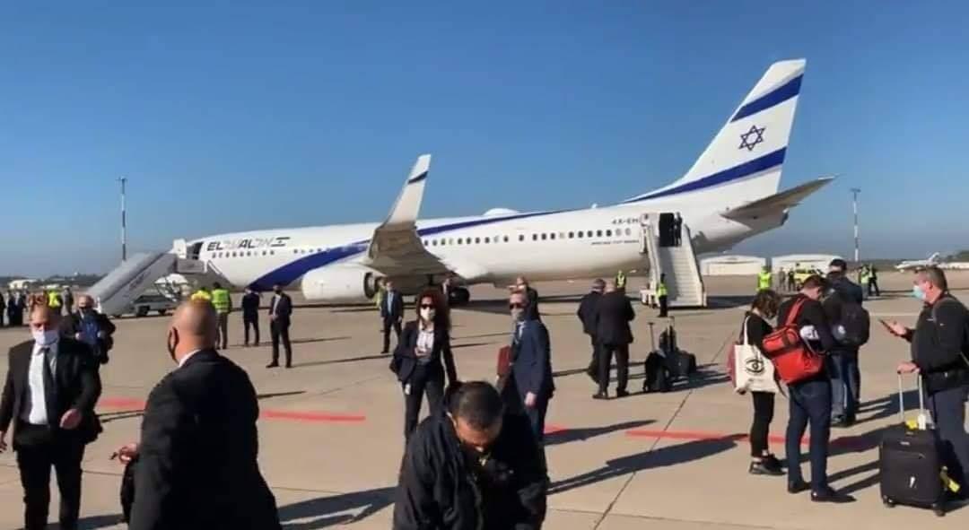 الطائرة الاسرائيلية تحط بمطار الرباط
