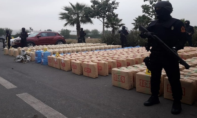 """""""الديستي"""" يطيح بشبكة للاتجار الدولي في المخدرات ويحبط تهريب أزيد من نصف طن من """"الشيرا"""""""