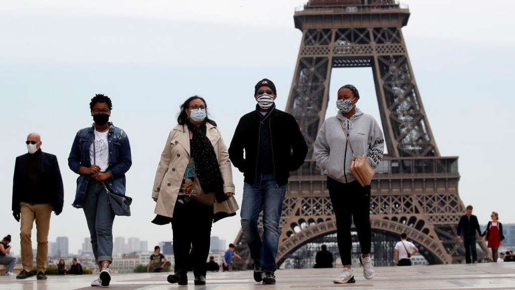 """فرنسا.. كورونا يواصل منحناه التصاعدي وزارة الصحة تفكر في """"إغلاق عام"""" للمرة الثالثة"""