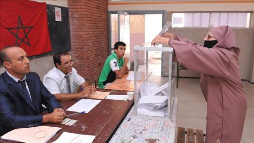 الناظور.. منتخبون يطرقون أبواب الجيران بعد إلغاء نظام اللائحة في جماعاتهم
