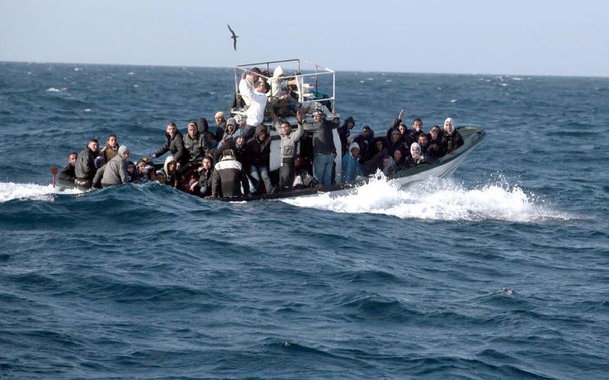 ضمنهم مغاربة.. الجيش الجزائري ينقذ أزيد من 150 مهاجرا سريا في أسبوع واحد
