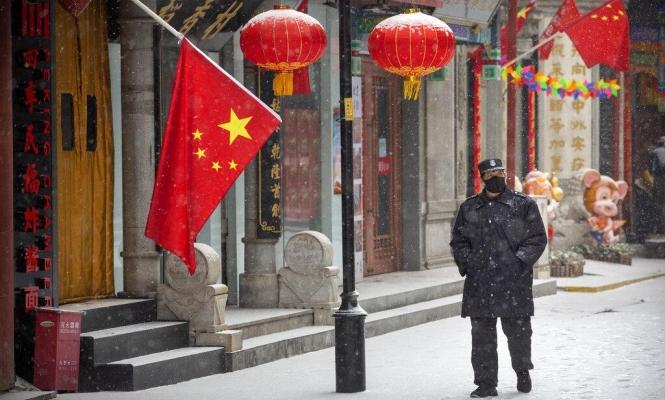 بعد اتهامها بنشر الفيروس.. الصين تكشف أصل وباء كورونا المستجد