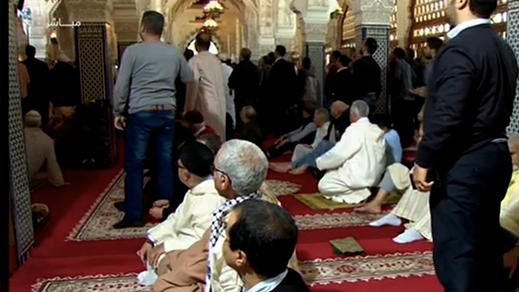 فتاة تقتحم مسجدا بطنجة وتعتدي على الإمام وهي تصرخ من قتل عثمان
