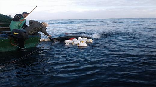 وفاة صيادين وفقدان اثنين اخرين ينحدرون من الناظور في حادثة انقلاب قارب للصيد ببحر الداخلة