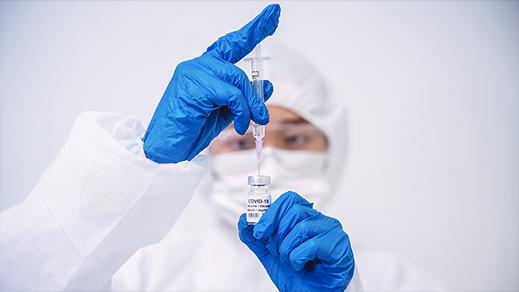 """""""أسترازينيكا"""".. تعرّف على اللقاح الذي توصل المغرب بالشحنة الأولى من جرعاته"""