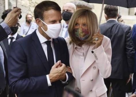 """الفرنسيون يترقبون خطاب ماكرون وسط توقعات بإعادة تشديد القيود بسبب """"كوفيد -19"""""""