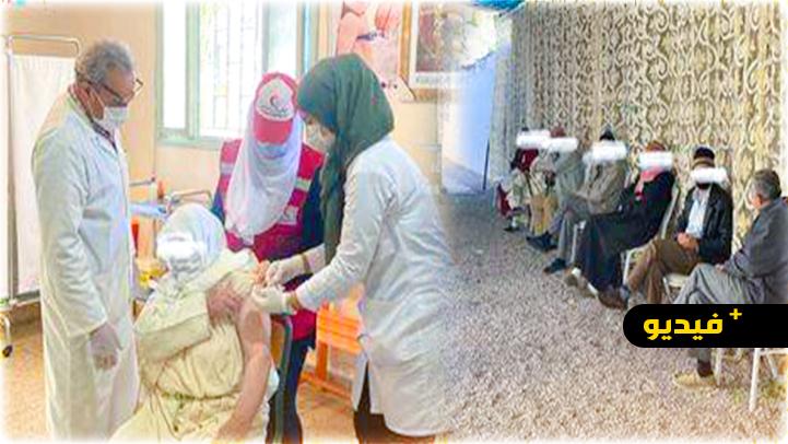 العروي.. السلطات المحلية والأمنية وأطر القطاع الصحي تشرف على انطلاق عملية التلقيح
