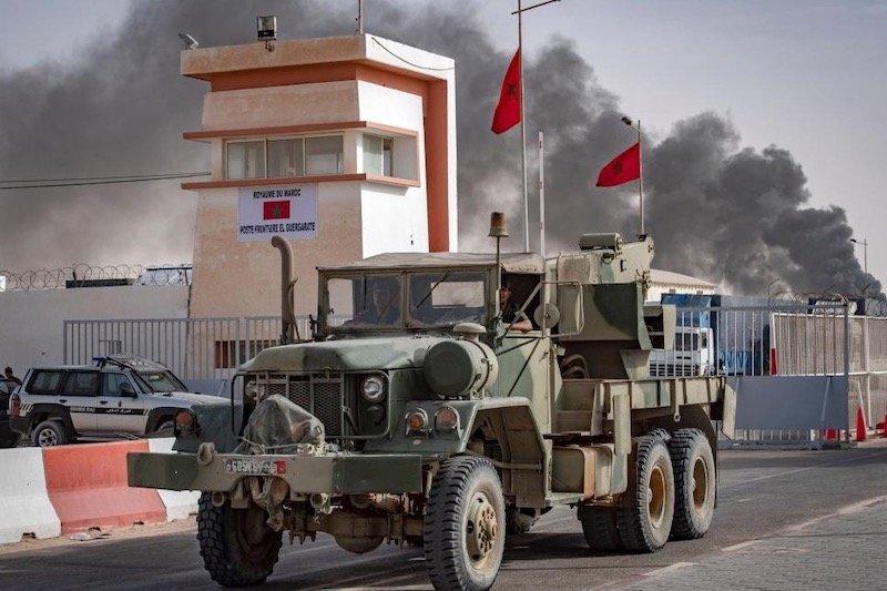 الجيش المغربي ينفذ قصفا جويا في المنطقة العازلة.. مصدر عسكري يوضح