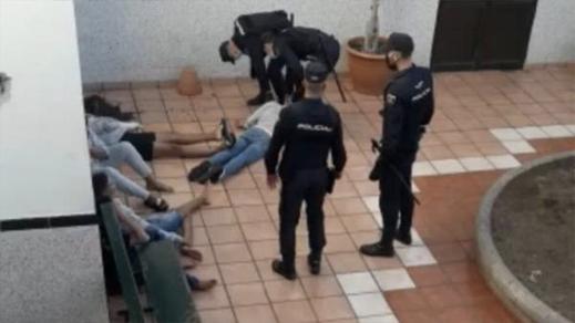 المغرب يدخل على خط تعنيف قاصرين بمركز الإيواء بجزر الكناري ويستدعي السفير الإسباني