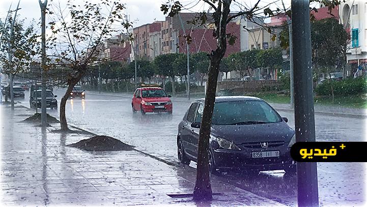 شاهدوا.. أمطار رعدية قوية تغرق شوارع الناظور والجماعات المجاورة