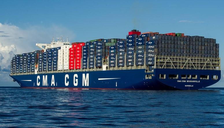 أكبر باخرة شحن حاويات في العالم ترسو بالمغرب