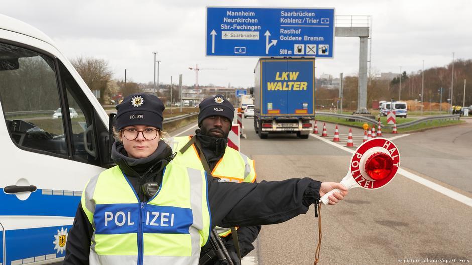 ألمانيا تستعد لإغلاق حدودها بسبب النسخ المتطورة لفيروس كورونا