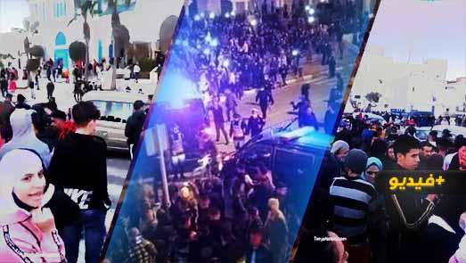 للجمعة الثانية.. احتجاجات صاخبة بالفنيدق ضد إغلاق معبر سبتة ومطالب بإطلاق سراح المعتقلين