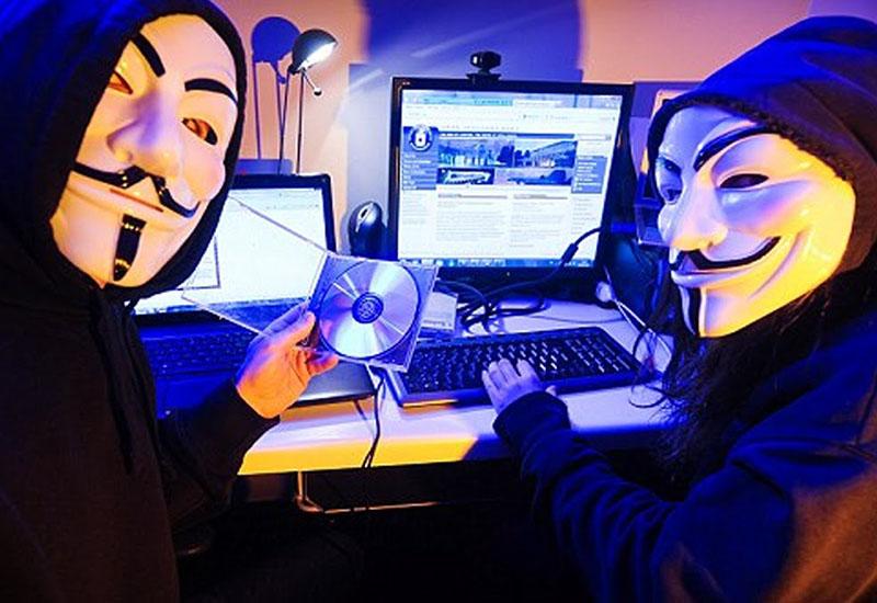 """""""هاكرز"""" مغاربة يقرصنون أزيد من 280 موقعا حكوميا جزائريا ردا على """"تطاول"""" الشروق على رموز المغرب"""