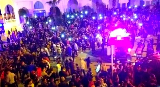 ثلاثة أحزاب تدخل على خط قضية احتجاجات ساكنة الفنيدق وتطالب بفتح معبر سبتة