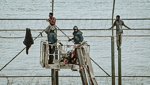 حاولوا تسلق السياج بين الناظور ومليلية.. حرس الحدود المغربي يوقفون ثلاث شبان بباريوتشينو
