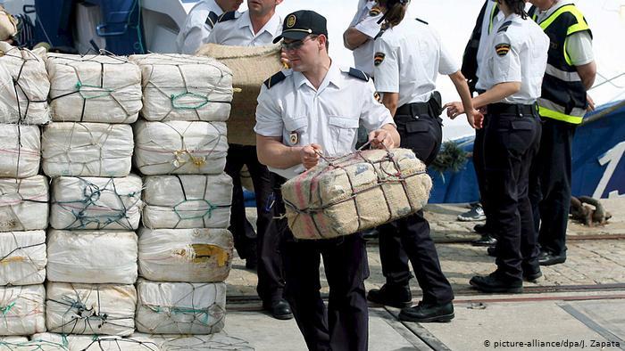 مسؤولون إسبان  يتورطون في إغراق الناظور بالكوكايين بعد إغلاق معابر مليلية