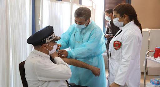 هذه عقوبة من يتحايل على السلطات للاستفادة من اللقاح بدون موعد