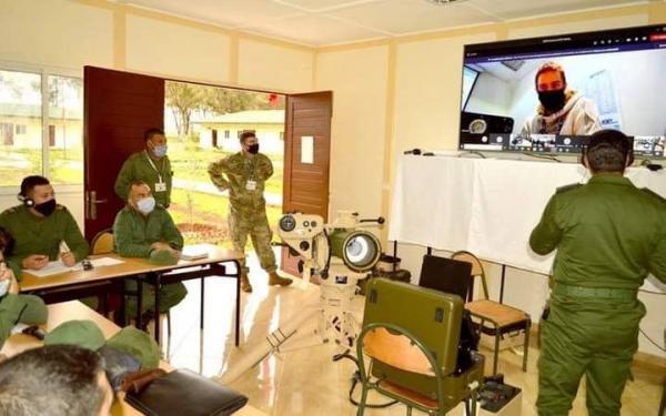الجيش المغربي يتدرب على يد ضباط أمريكيين حول صواريخ مضادة للدبابات