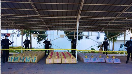 الشرطة تحجز 9 اطنان ونصف من مخدر الشيرا مخبأة داخل شاحنة