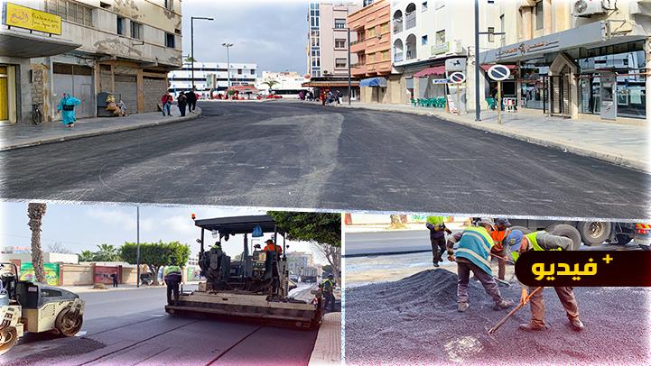 تقدم أشغال إعادة تزفيت الشوارع الرئيسية بحيي الخطابي ولعراصي بالناظور