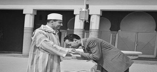 سبب محاولة منع الحسن الثاني من اعتلاء العرش من قِبل والده