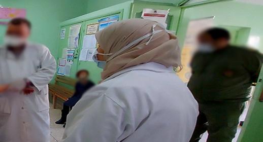 قائد في دور طبيب يحرم أستاذ ستيني من أخذ لقاح كورونا