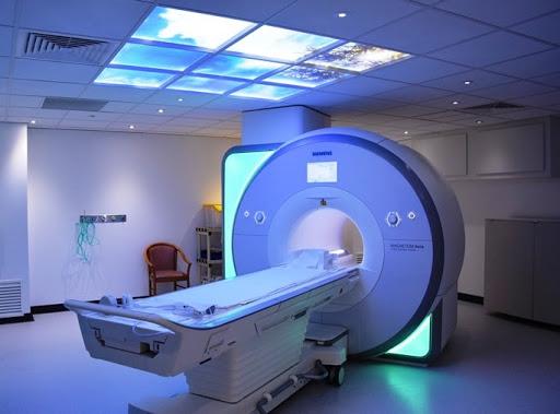 """مليار سنتيم لاقتناء جهاز """"الرنين المغناطسي""""  لفائدة مستشفى الحسيمة"""