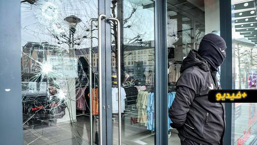 شاهدوا.. أعمال تخريب وعنف واصابة أزيد من 30 عنصر من الشرطة بمدينة لييج البلجيكية
