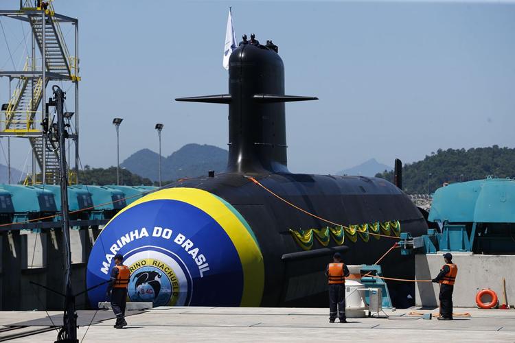 صحيفة إسبانية تكشف تفاصيل حول الغواصات التي سيحصل عليها المغرب