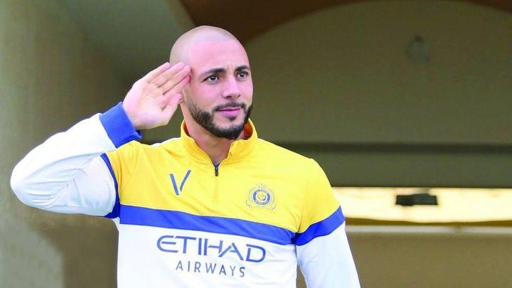 امرابط يتلقى عرضا مغريا من فريق قطري