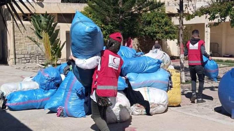الهلال الأحمر  يطلق مبادرة لتوزيع الملابس على القرى والمداشر بالريف