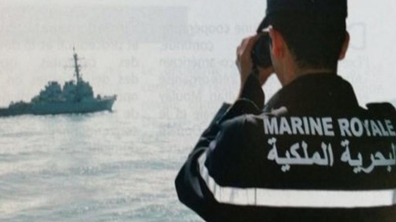 البحرية الملكية بالناظور تنقذ 13 شابا انطلقوا في رحلة للهجرة السرية من سواحل بني انصار