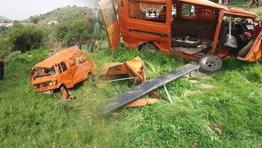 سقوط ضحايا إثر حادث إنقلاب سيارة لنقل التلاميذ