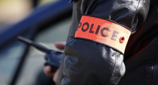 """اعتقال """"شرطي"""" متورط في قضية تتعلق بالنصب والاحتيال وبحوزته مبلغ مالي مهم"""