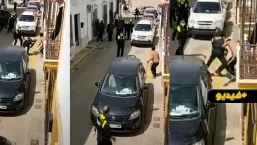 شاهدوا.. عناصر الشرطة الإسبانية تشن تدخلا مثيرا في حق مغربي هددهم بسيف