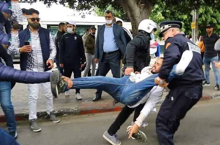 الأساتذة المتعاقدون يمددون اضرابهم الوطني بسبب الاعتقالات