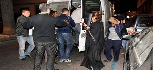 توقيف شرطي وجندي واستاذ مع 18 شخصا أعدوا وكرا للدعارة والاتجار في البشر