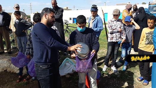 استفادة أزيد من 200 أسرة من مبادرة توزيع الأسماك مجانا بجماعة بني سيدال الجبل