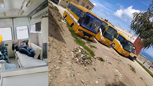 فضيحة.. طلبة بويفار يتنقلون عبر سيارة إسعاف للكلية بسبب حرمانهم من حافلات النقل الجامعي