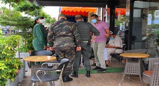 الحكومة تتجه إلى رفع حظر التجوال الليلي بعد رمضان والسماح للمطاعم والمقاهي بالعمل إلى 11 ليلا