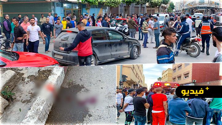 شاهدوا.. شجار عنيف بين شخصين بإستعمال الأسلحة البيضاء وسط حي لعري الشيخ