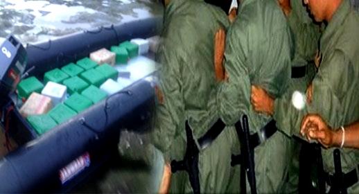 """الدريوش.. اعتقال 6 """"مخازنية"""" متلبسين بالتواطؤ مع شبكة لتهريب المخدرات وبحوزتهم مبلغ مالي مهم"""