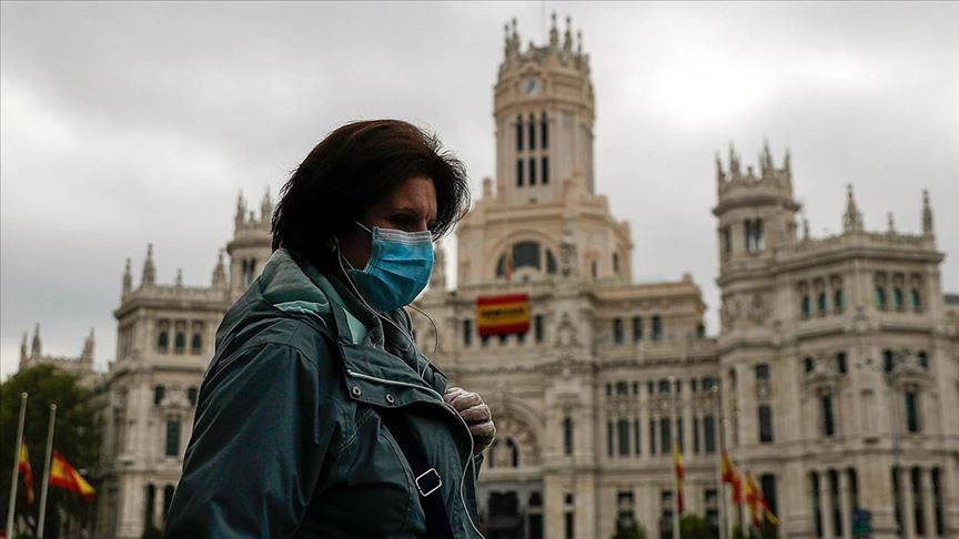 الحياة الطبيعية تعود إلى إسبانيا بعد إعلانها رفع حالة الطوارئ