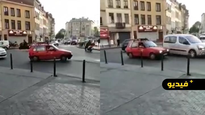 بعد باريس.. ظهور طاكسي أحمر وسط شوارع مولنبيك البلجيكية